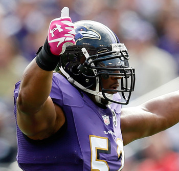 BALTIMORE, MD - OCTOBER 14:  Liinebacker Ray Lewis #52 of the Baltimore Ravens motions to the crowd during the first half against the Dallas Cowboys at M&T Bank Stadium on October 14, 2012 in Baltimore, Maryland.  (Photo by Rob Carr/Getty Images)