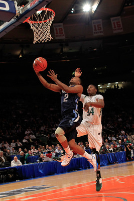 Maalik Wayns was a scoring PG at 'Nova.
