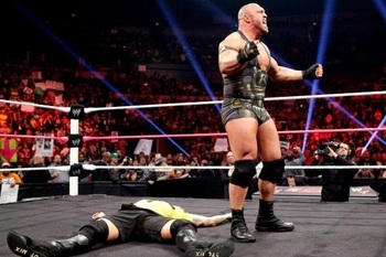 Wwe_raw_20121015_ryback_display_image