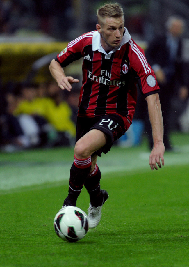PARMA, ITALY - SEPTEMBER 29:  Ignazio Abate of Milan in action during the Serie A match between Parma FC and AC Milan at Stadio Ennio Tardini on September 29, 2012 in Parma, Italy.  (Photo by Dino Panato/Getty Images)
