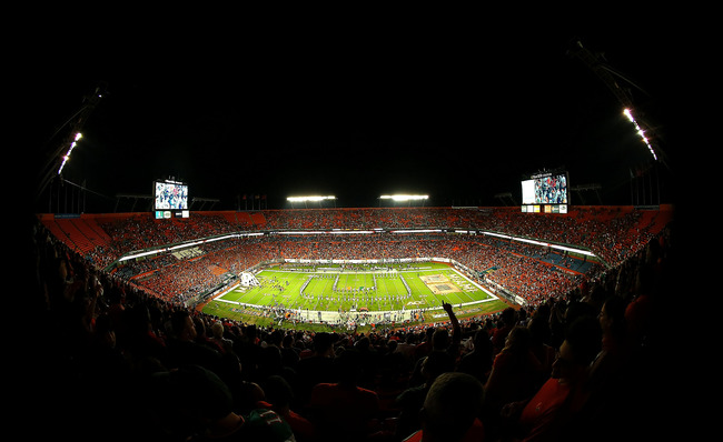 MIAMI GARDENS, FL - OCTOBER 20:  A general view of a game between the Miami Hurricanes and the Florida State Seminoles at Sun Life Stadium on October 20, 2012 in Miami Gardens, Florida.  (Photo by Mike Ehrmann/Getty Images)