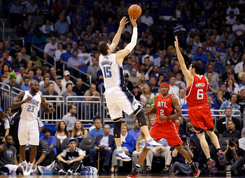 Hedo Turkoglu shoots over Kirk Hinrich in the 2011 playoffs.