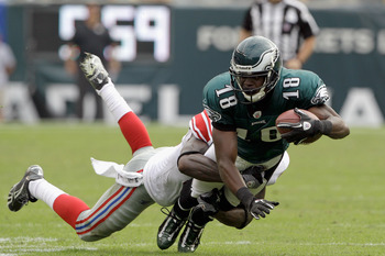 Maclin Hangs On To Defeat New York