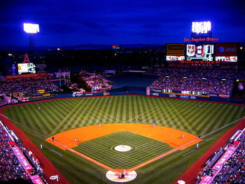 800px-angels_stadium_2009_display_image