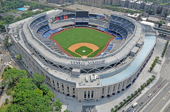 Le_yankee_stadium_display_image