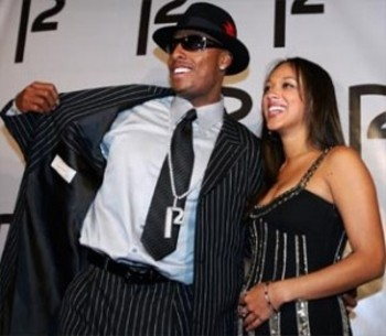 Source: http://www.celticstown.com/wp-content/uploads/2010/10/paul-pierce-suit-300x261.jpg