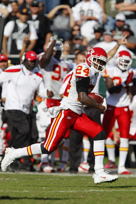 Kansas City thrives against Oakland converting turnovers into touchdowns