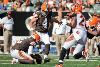 CINCINNATI, OH - SEPTEMBER 16:  Phil Dawson #4 of the Cleveland Browns kicks a field goal against the Cincinnati Bengals at Paul Brown Stadium on September 16, 2012 in Cincinnati, Ohio.  (Photo by Jamie Sabau/Getty Images)