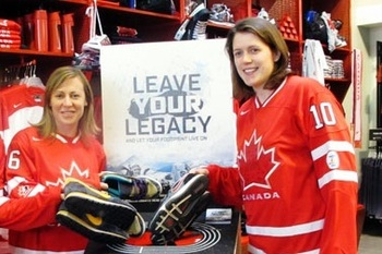 Jayna Hefford (left) and Gillian Apps (right) (Photo from http://vancouverisawesome.com/2010/02/22/team-canada-women/)