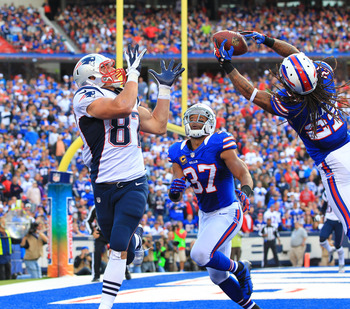 Stephon Gilmore breaks up this pass in end zone to Gronk