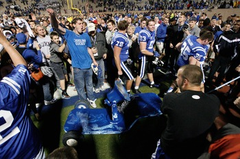 Duke celebrates its victory over UNC and bowl-eligibility.