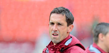 Kyle Shanahan seemed miffed by the Steelers' defense. (AP)