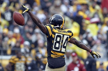 Antonio Brown celebrates... for nothing.