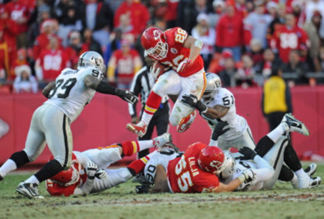 Chiefs_vs-_raiders_crop_650