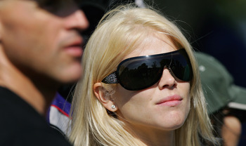 Elin Nordegren always added a touch of class to galleries watch her then-husband play golf.