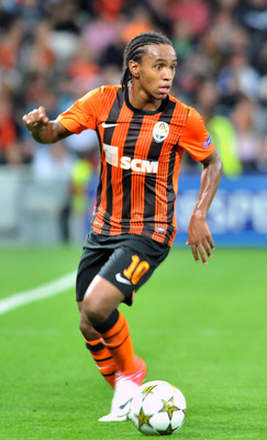 DONETSK, UKRAINE - SEPTEMBER 19:  Willian of FC Shakhtar Donetsk in action during the UEFA Champions League group stage match between FC Shakhtar Donetsk and FC Nordsjaelland at the Donbass Arena on September 19, 2012 in Donetsk, Ukraine. (Photo by Genya