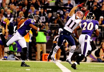 Edelman tries to catch this pass versus Ed Reed