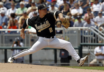 Sonny Gray pitching in college.