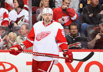 GLENDALE, AZ - JANUARY 19:  Tomas Holmstrom #96 of the Detroit Red Wings during the NHL game against  the Phoenix Coyotes at Jobing.com Arena on January 19, 2011 in Glendale, Arizona.  The Red Wings defeated the Coyotes 3-2 in an overtime shoot out.  (Pho