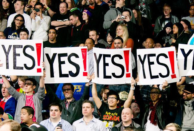 Best WWE Fan Signs