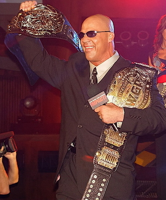 Kurt_angle_tna_display_image