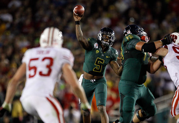 Oregon and Wisconsin compete in the 2012 Rose Bowl.