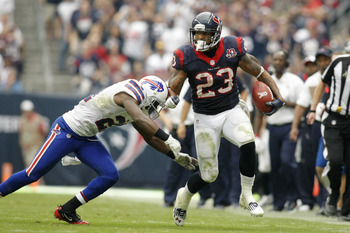 Arian Foster leads NFL with 10 touchdowns in 2012.