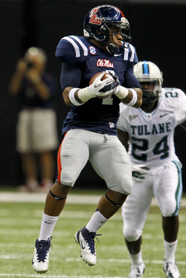 Nkemdiche makes one of his two season interceptions vs. Tulane University.