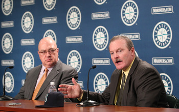 Mariners GM Jack Zduriencik (L) and manager Eric Wedge (R) from 2010.