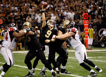 Drew Brees led the Saints to a 45-16 win over the Falcons in 2011.