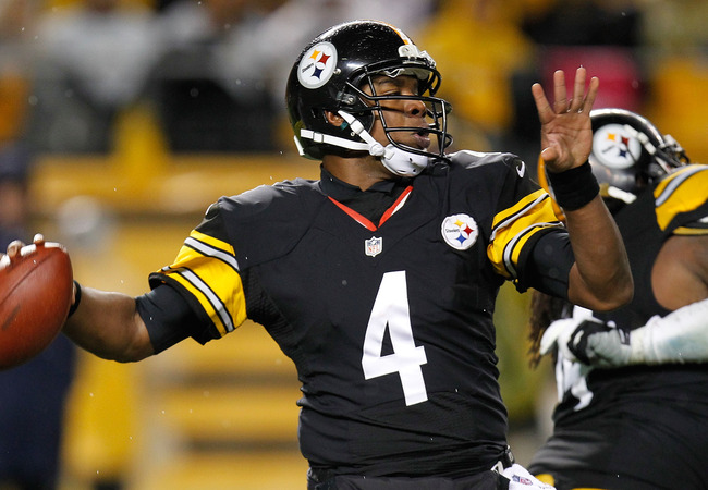 PITTSBURGH, PA - NOVEMBER 12:  Byron Leftwich #4 of the Pittsburgh Steelers throws a third quarter pass while playing the Kansas City Chiefs at Heinz Field on November 12, 2012 in Pittsburgh, Pennsylvania. Pittsburgh won the game 16-13 in overtime. (Photo