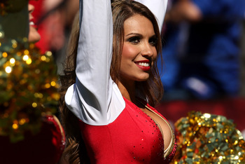 SAN FRANCISCO, CA - OCTOBER 14: A 49ers cheerleader performs during the game between the New York Giants and the San Francisco 49ers at Candlestick Park on October 14, 2012 in San Francisco, California.  (Photo by Stephen Dunn/Getty Images)