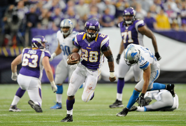 MINNEAPOLIS, MN - NOVEMBER 11: Adrian Peterson #28 of the Minnesota Vikings carries the ball during the fourth quarter of the game against the Detroit Lions on November 11, 2012 at Mall of America Field at the Hubert H. Humphrey Metrodome in Minneapolis,