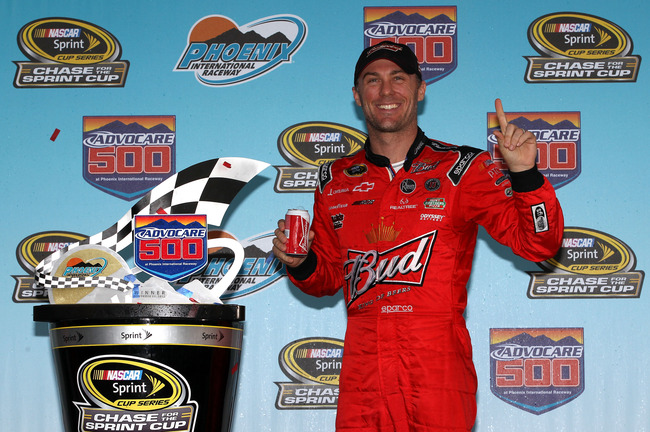 AVONDALE, AZ - NOVEMBER 11:  Kevin Harvick, driver of the #29 Budweiser Chevrolet, poses in Victory Lane after winning the NASCAR Sprint Cup Series AdvoCare 500 at Phoenix International Raceway on November 11, 2012 in Avondale, Arizona.  (Photo by Tyler B