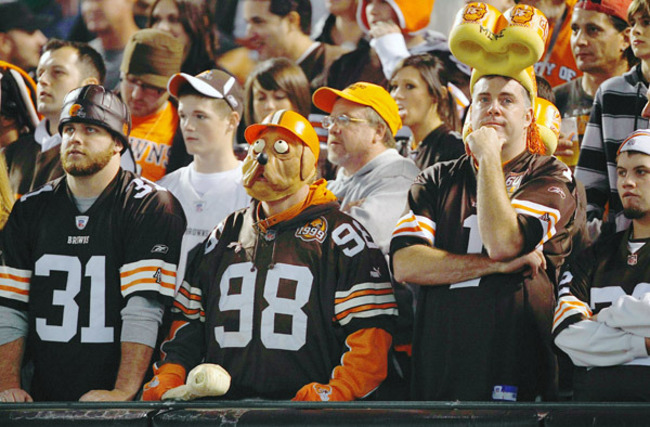 Pg2_g_browns_fans_600_crop_650