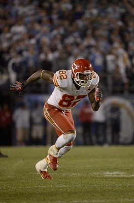 SAN DIEGO, CA - NOVEMBER 1: Dwanye Bowe #82 of the Kansas City Chiefs runs a route against the San Diego Chargers on November 1, 2012 at Qualcomm Stadium in San Diego, California. (Photo by Donald Miralle/Getty Images)