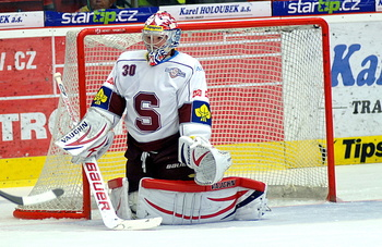 Michal Neuvirth playing in the Czech Extraliga for HC Sparta Praha (hcsparta.cz)
