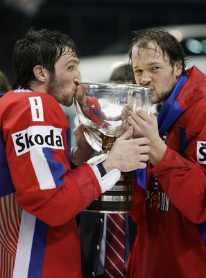 Ilja Nikulin (right) with Alexander Ovechkin at the 2008 IIHF World Championships.