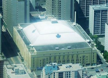 This was the last season the Leafs would play in the historic Maple Leaf Gardens.