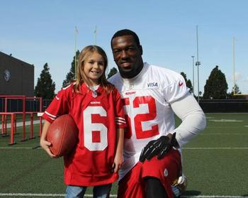 Practice with Willis? (Photo via http://www.49ers.com/media-gallery/index.html)