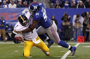 Justin Tuck brought down Ben Roethlisberger twice in Week 9.