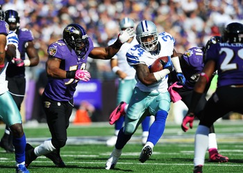 Ray Lewis closes in on a tackle against Dallas.