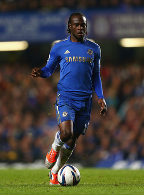 LONDON, ENGLAND - OCTOBER 31:  Victor Moses of Chelsea in action during the Capital One Cup Fourth Round match between Chelsea and Manchester United at Stamford Bridge on October 31, 2012 in London, England.  (Photo by Clive Rose/Getty Images)