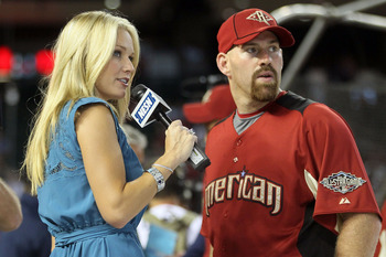 Heidi Watney interviews Kevin Youkilis at the 2011 All-Star Game.