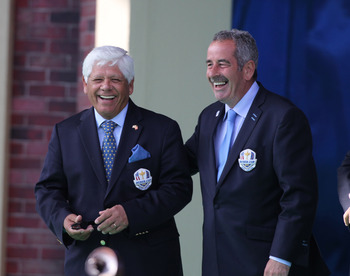 Always smiling, that's Lee Trevino, left.