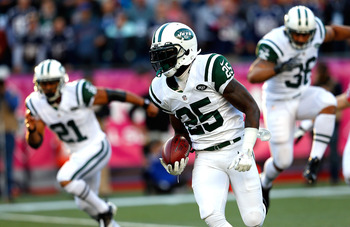 Joe McKnight's kick return fumble resulted in a touchdown, leaving the Jets trailing 21-0 in the second quarter.