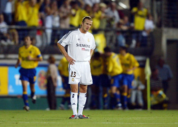 VILLARREAL, SPAIN - SEPTEMBER 2:  David Beckham of Real Madrid looks dejected after Villarreal take the lead during the Spanish Primera Liga match between Villarreal and Real Madrid at the El Madrigal Stadium on September 2, 2003 in Villarreal, Spain. (Ph