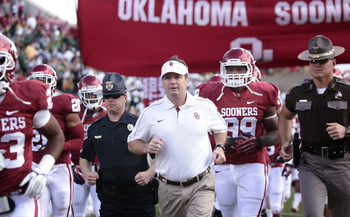 Bob Stoops is one win away from a share of the Big 12 title.