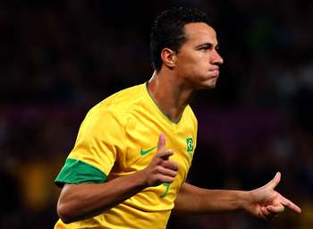 Tottenham would love to convince the Brazilian hit man to join in January