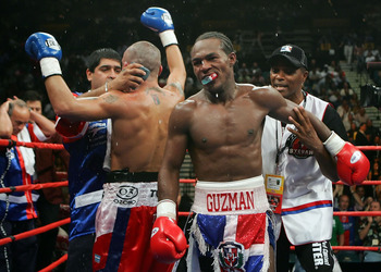 Undefeated Dominican Guzman challenges for a world title in a third weight class